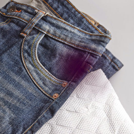 how to get rid of set oil stain on clothes